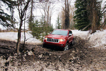 2011 Jeep Grand Cherokee Overland Off-Road